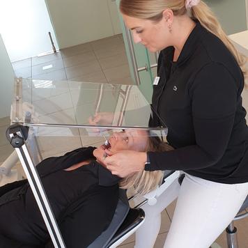 """Vidro de proteção para clientes e pacientes """"Quattro"""